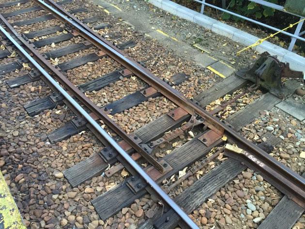 名鉄引山駅の線路に敷かれている枕木