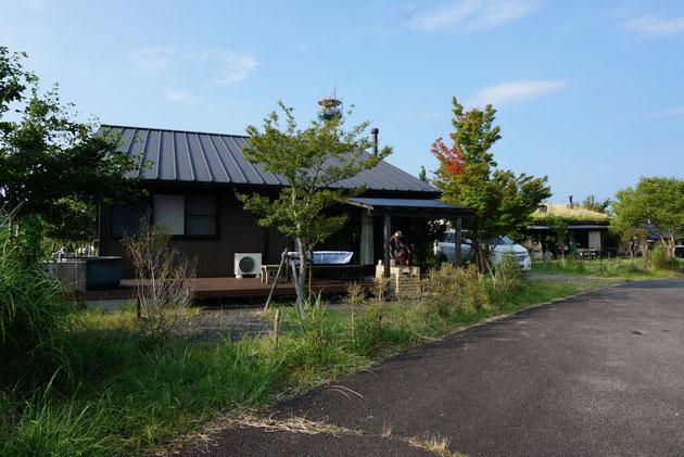 BBQスペースが完備されたこちらの貸別荘!