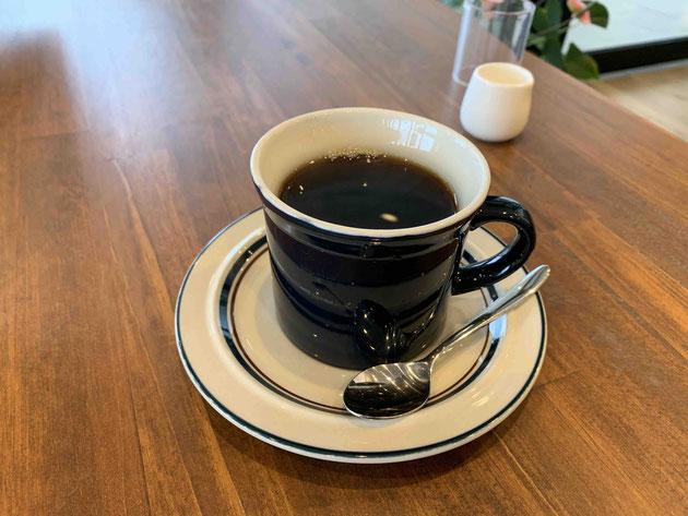 手入れの美味しいコーヒーはたっぷり入っています。