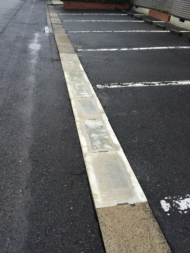 道路の側溝のフタを交換!以前はボロボロに割れていたのを修理しました。