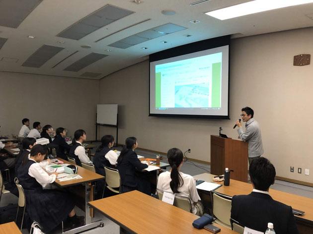 ガーデンドクター柴ちゃん学生さんの前で講演させていただきました!
