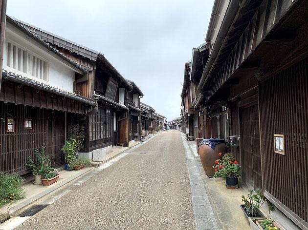 東海道の宿場町「関宿」で思わず見つけた素敵な外構塀!