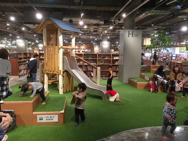草叢書店の中にあるキッズスペース。楽しそうだな!Jrもめっちゃ遊びそうだ!