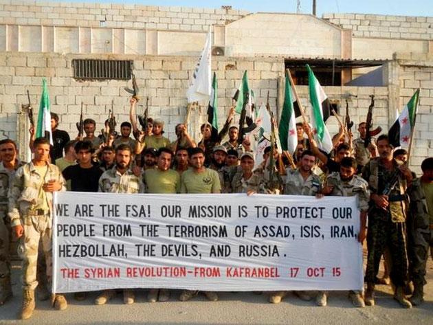 Aktivister fra 'Free Syrian Army' (FSA) i byen Kafranbel, oktober 2015