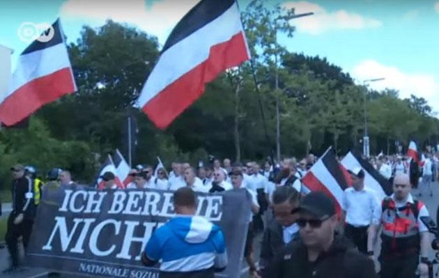 """""""Jeg angrer intet"""", naziopmarch i Berlin, den  19. august 2018"""