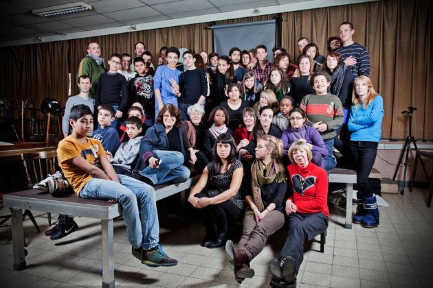 Eleves de l'Ecole Moyenne Bracops - Elèves et professeurs de l'ESAI le 75 - Membres de l'Association Inscrire © Francisco Supervielle