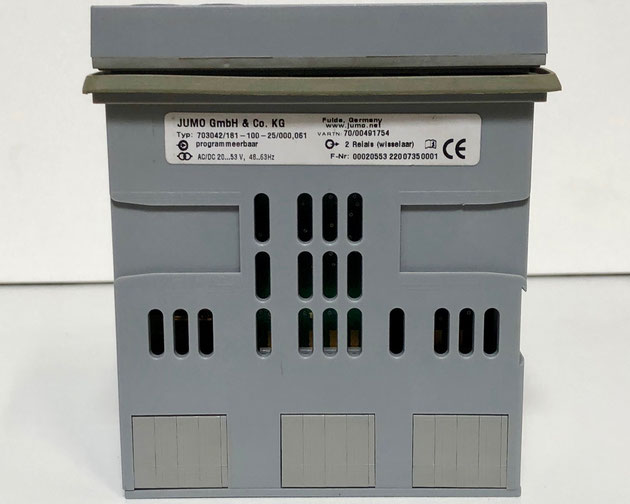 JUMO dTRON 308 electric controller, Type: 703042