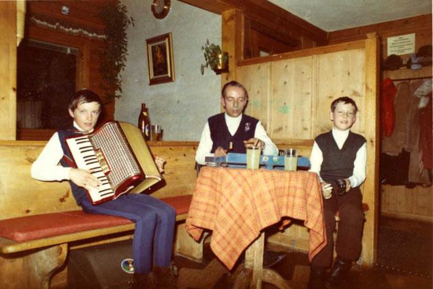 Die Gründerformation im Jahr 1972. V.l. Martin, Papa Heiri und Beat.
