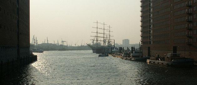Suchen - Blick auf den Hafen