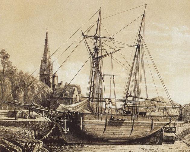 La goélette Anna, typique des voiliers caboteurs vers 1850,  à l'échouage dans un port Breton.