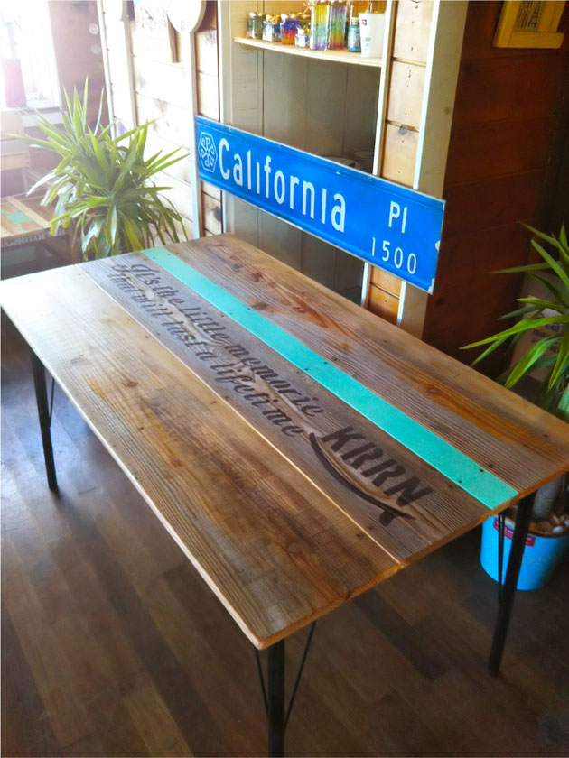 海を感じるサーフインテリア  廃材鉄脚テーブル