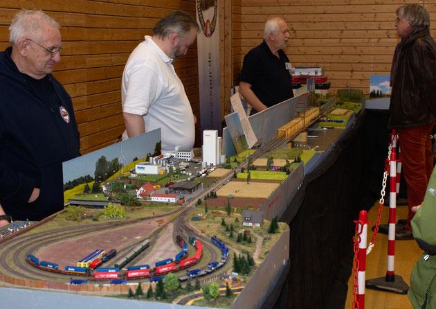 Der linke Teil der Gemeinschaftsanlage der Freundeskereis der Spur Z und der Eisenbahnfreunde Bad Schwartau