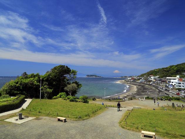 普段の稲村ガ崎公園。天気がよければ、富士山が見える