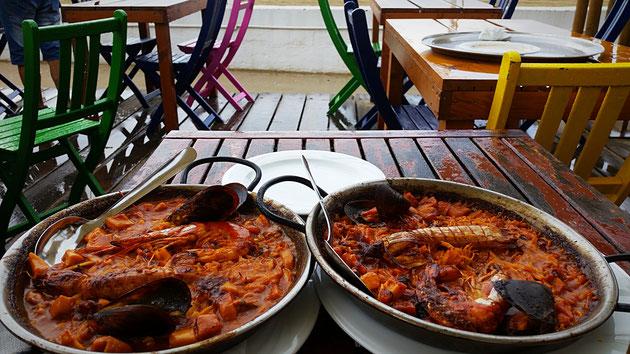 leckere Paella für 14 Euro p./P. direkt am Meer, in der farbenfrohen Segelschule BASE Nautica