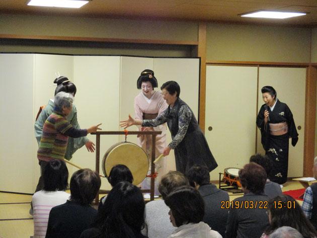 特別講演「金沢芸妓の舞」   石川県立音楽堂にて