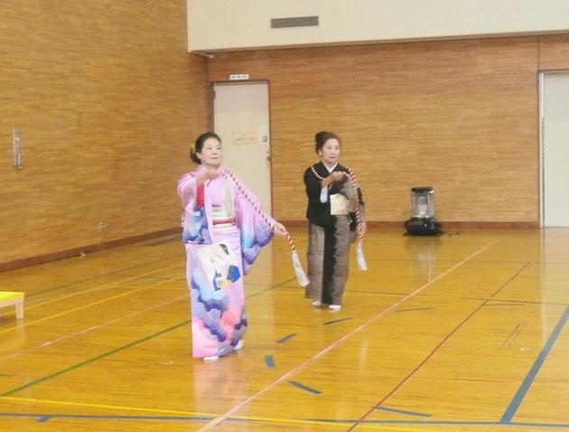 三条流うす由紀の会さんの踊り