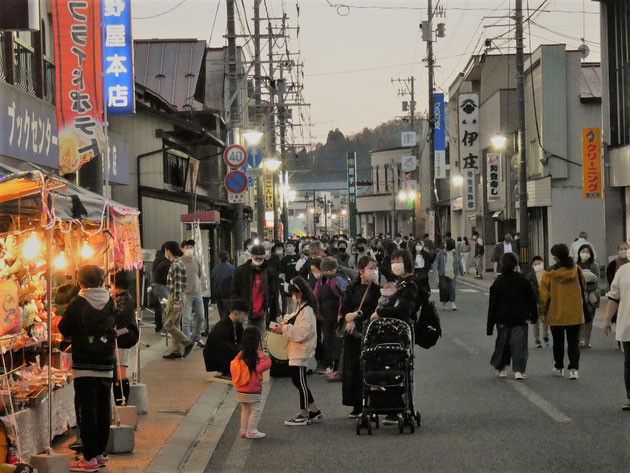 千厩八幡太鼓 団体集合写真(平成28年撮影)