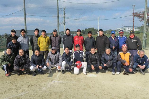 金沢父ちゃんの会 「市谷おやじの会」とのスポーツ交流大会 での記念写真