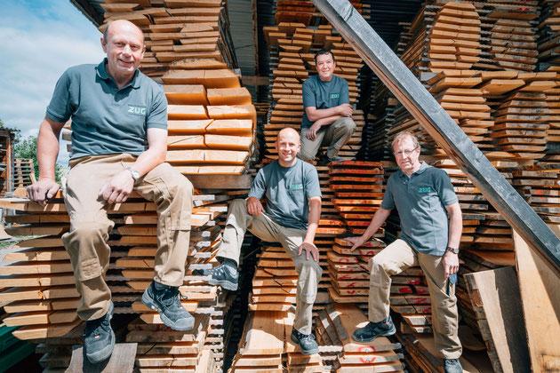 Schreinerei-Team der Möbelwerkstätte Zug