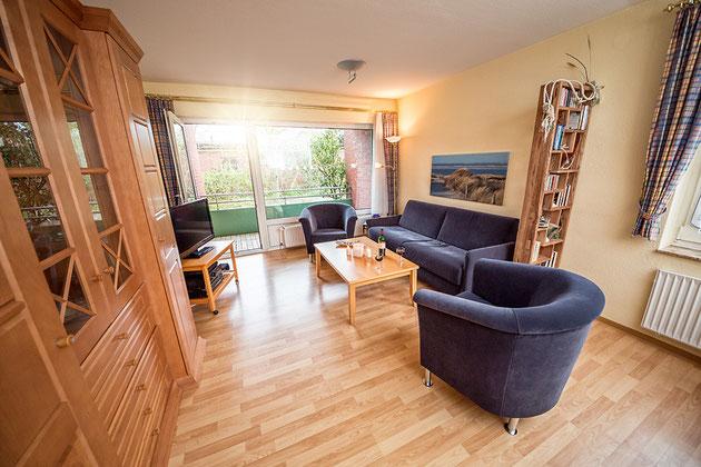 Wohnzimmer, sehr hell und ruhig, allergenarm. Esszimmer ideal für Barbecue mit Raclette und Tischgrill