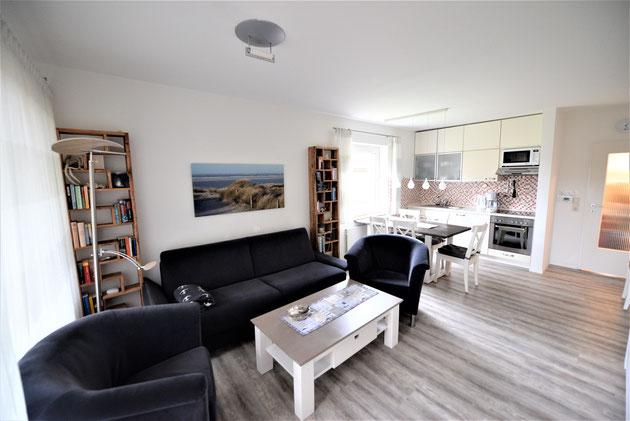Wohnzimmer, Südbalkon, allergenarm, sehr ruhig, WLAN & Telefon dt. Festnetz gratis, moderne Unterhaltungselektronik,BlueRay-DVD