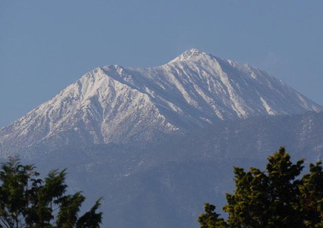 冠雪の常念岳