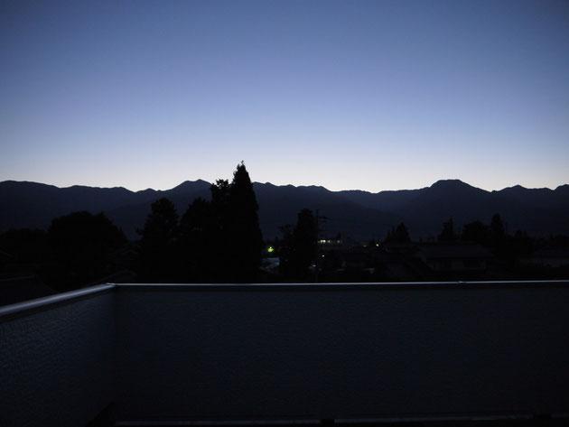 北アルプスの稜線(夕刻)