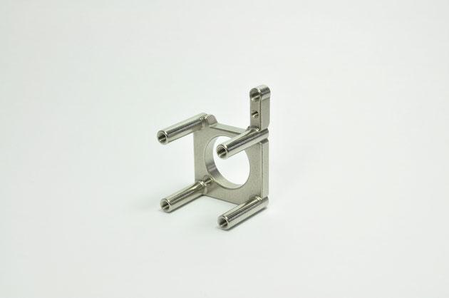寸法のバラツキが比較的大きいステンレスの異形状の製作に成功した事例です。