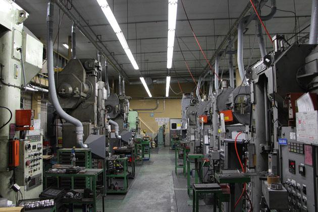 日本本社の成形ラインの一部です。