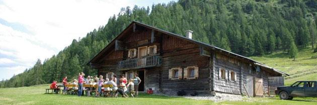 Unsere eigene Alm vom Steinbachgut - Urlaub am Bauernhof