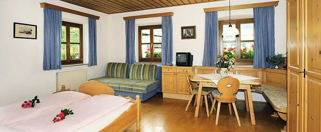 "Apartment Type A sleeps 2 - 4 persons ""Bauernhochzeit"""