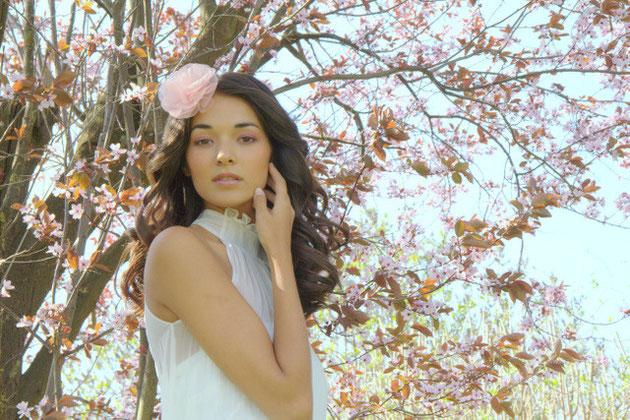 Haarblüte aus Seide in rosa für die romantische Braut und Ihre Hochzeit in rosa.