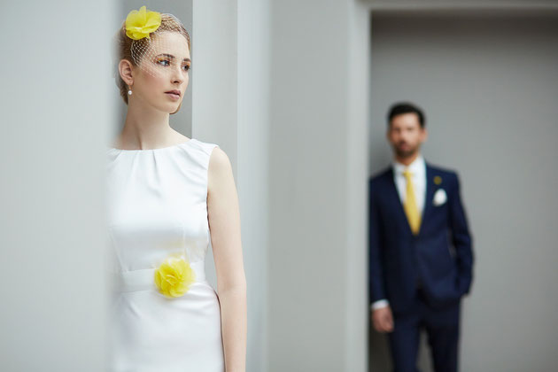 Haarschmuck und Brautgürtel in Gelb für Sommer Hochzeiten