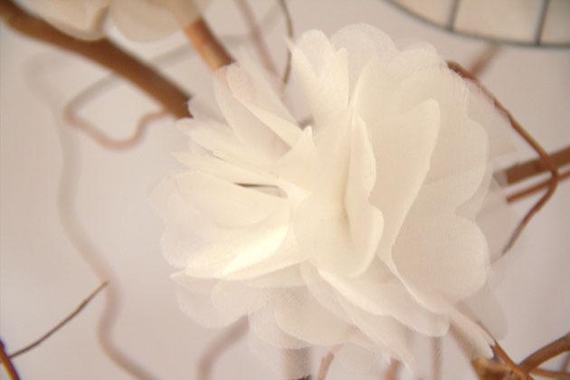 """Seiden Haarblüte """"Elly"""", Haarschmuck für Hochzeit, Standesamt und Feste"""