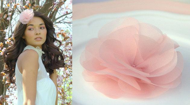 Haarblüte in rosa aus Organza Seide für Ihre Hochzeit in rosa.