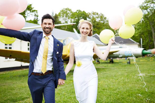 Brautgürtel und Kopfschmuck in Gelb für die Braut.