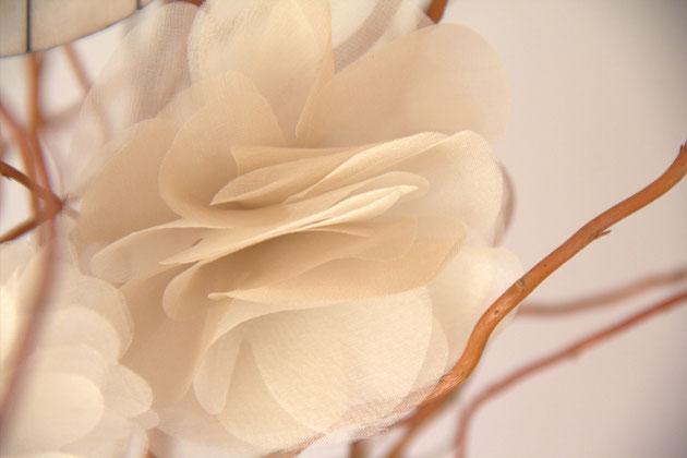 Seidenblüte zum Schleiernetz Fascinator oder Brautgürtel