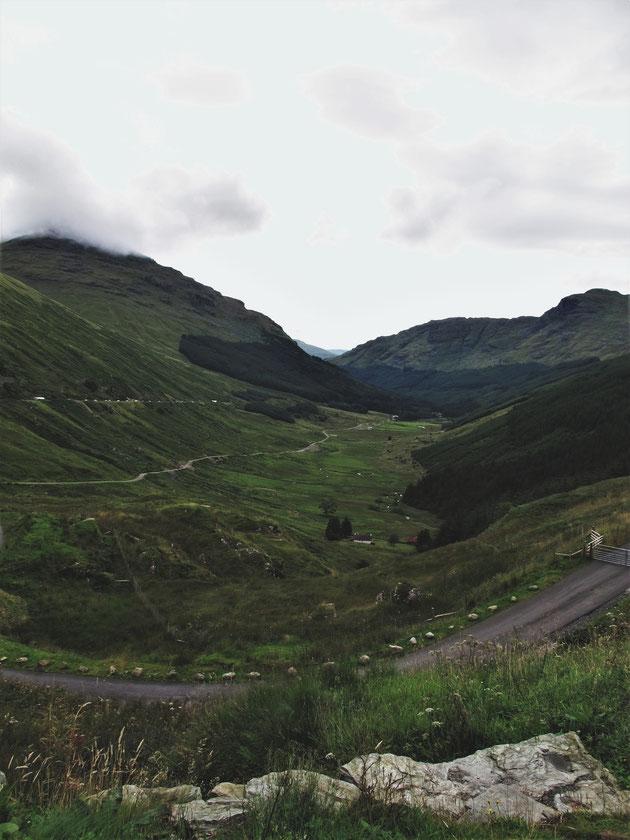 bigousteppes écosse camion mercedes route montagne highlands
