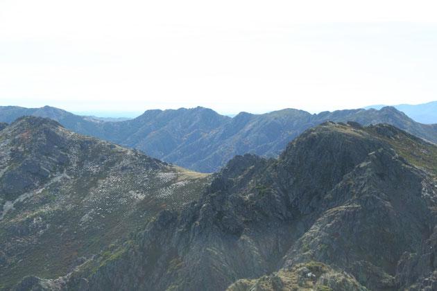 Pico del Granero al fondo