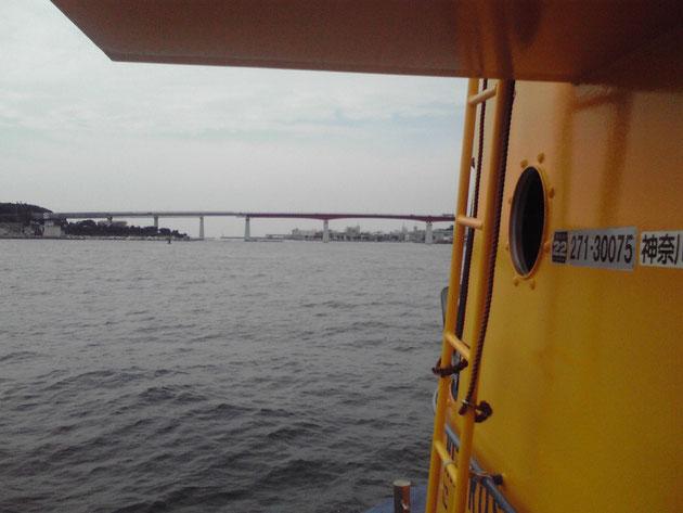 2010/10/17 前方に見えるのが「城ヶ島大橋」です!