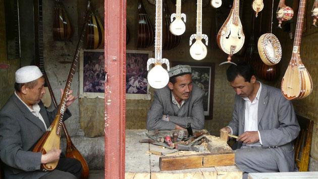 Un artisan dans le bazar de Kashgar