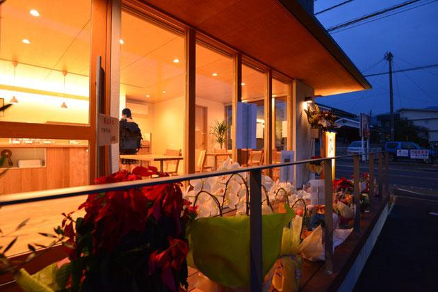 ベーカリーショップ クロリBREAD&LIFE 店舗併用住宅 松本市 新築工事 長野県松本市の建築家 建築設計事務所 オープン