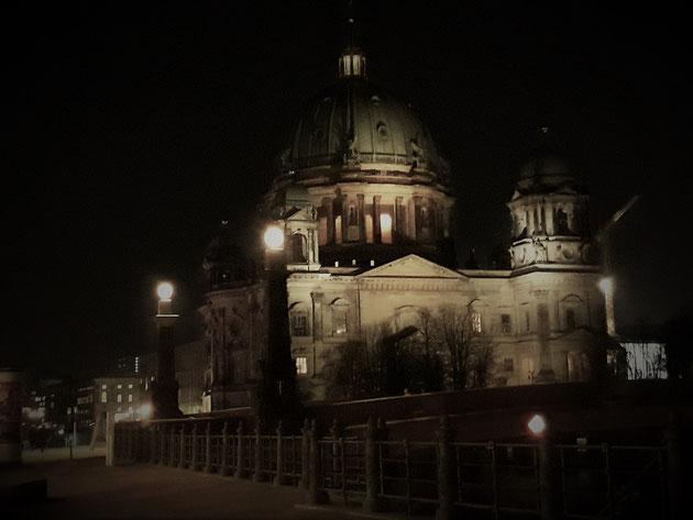 Der Dom in Berlin bei Nacht