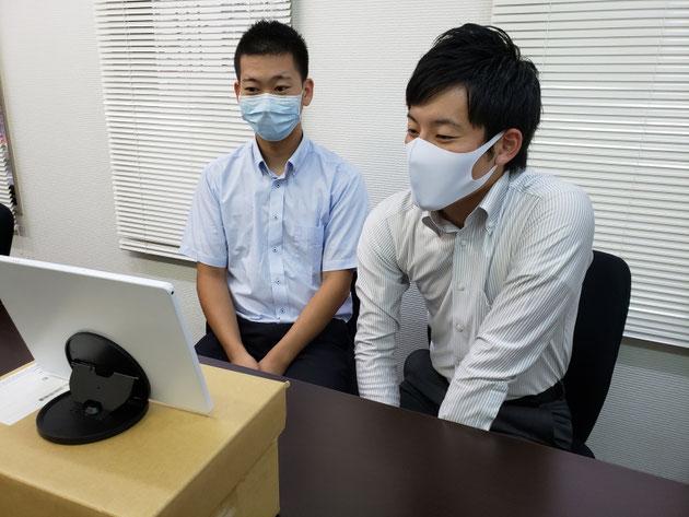 オンラインインタビューに答えてくれた、浅川君(左)と吉益君(右)
