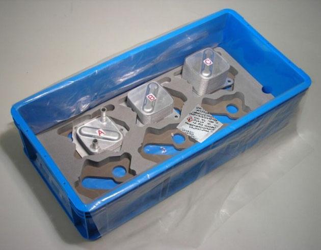 「Zerust®Z-PAK-01」は、このように鉄製品と同梱するだけで防錆性能を発揮します。