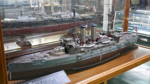 戦艦三笠内に展示されている、日露戦争当時における三笠の模型。