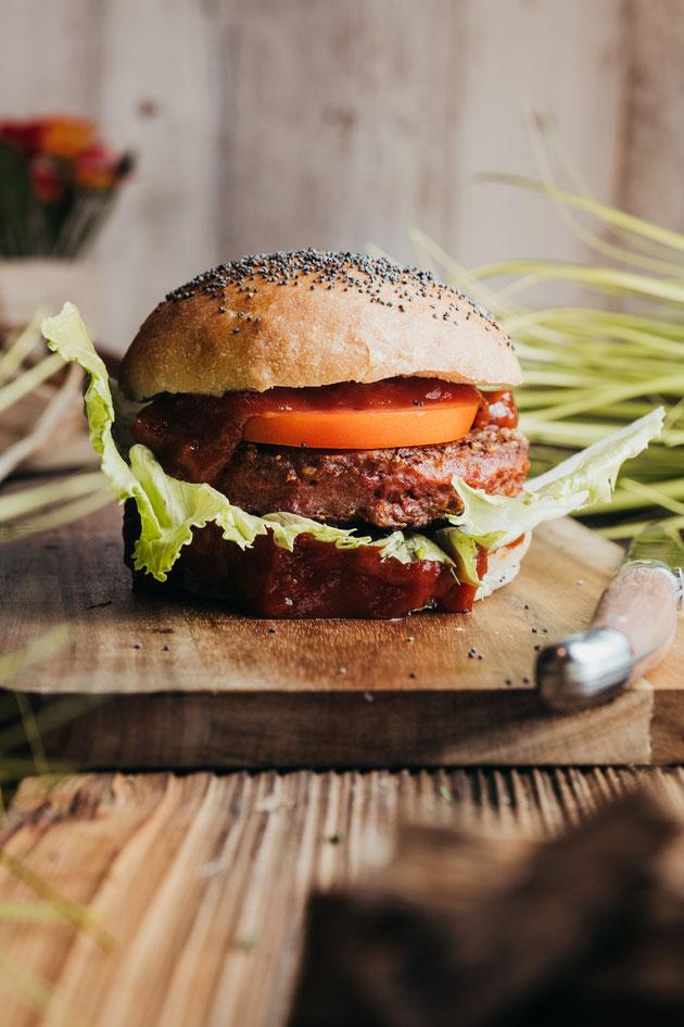 Byond Meat mit veganen Burger Brötchen