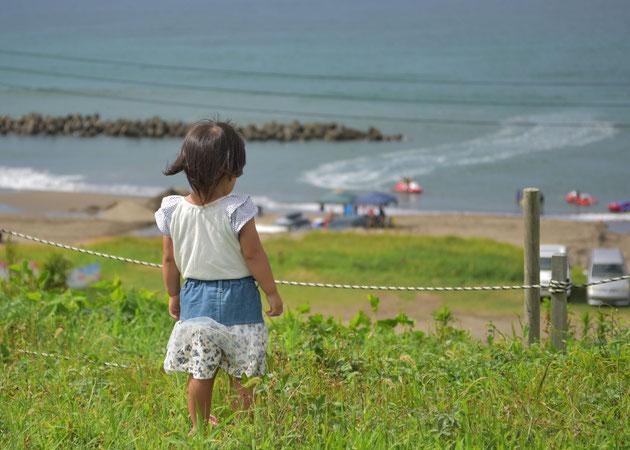 郷津の海を見下ろして   横田聖 様