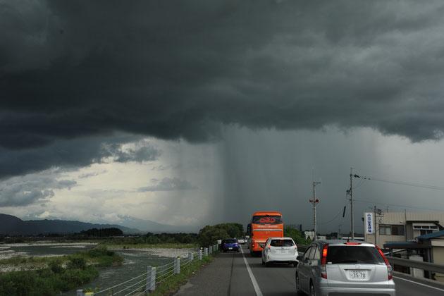 ゲリラ豪雨の正体(日本農業新聞)