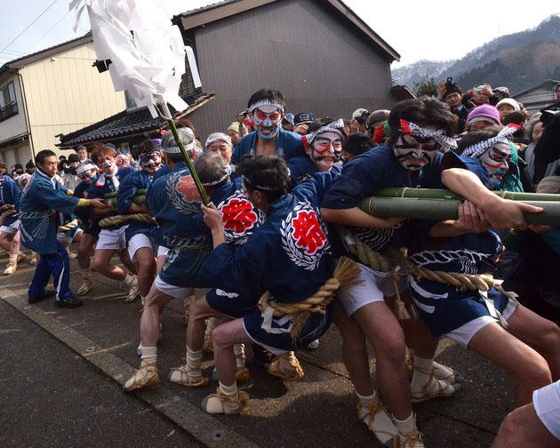 祈 願 伝統文化・竹のからかい